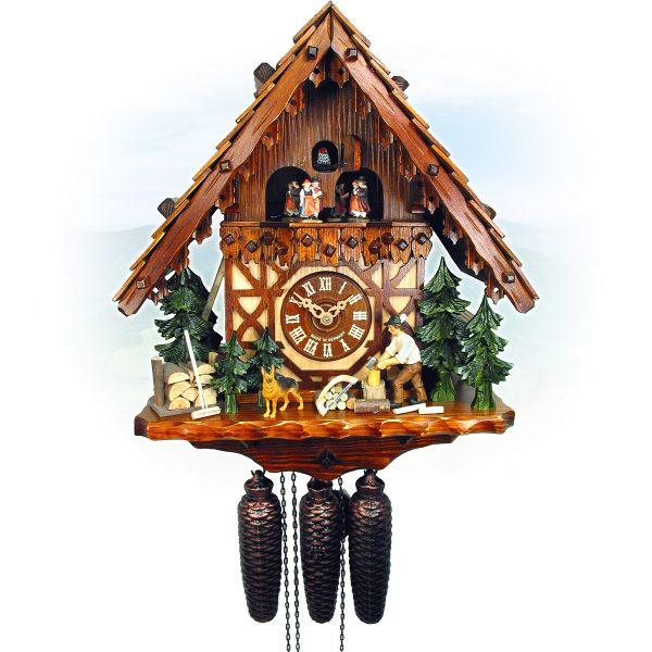 Kuckucksuhr Toulouse, August Schwer: Haus, Holzhacker, Hund